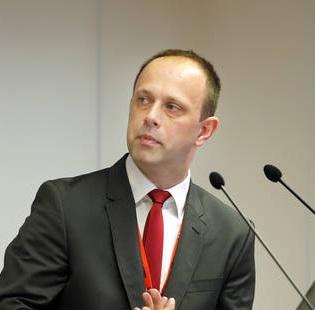 dr. Aleš Holobar