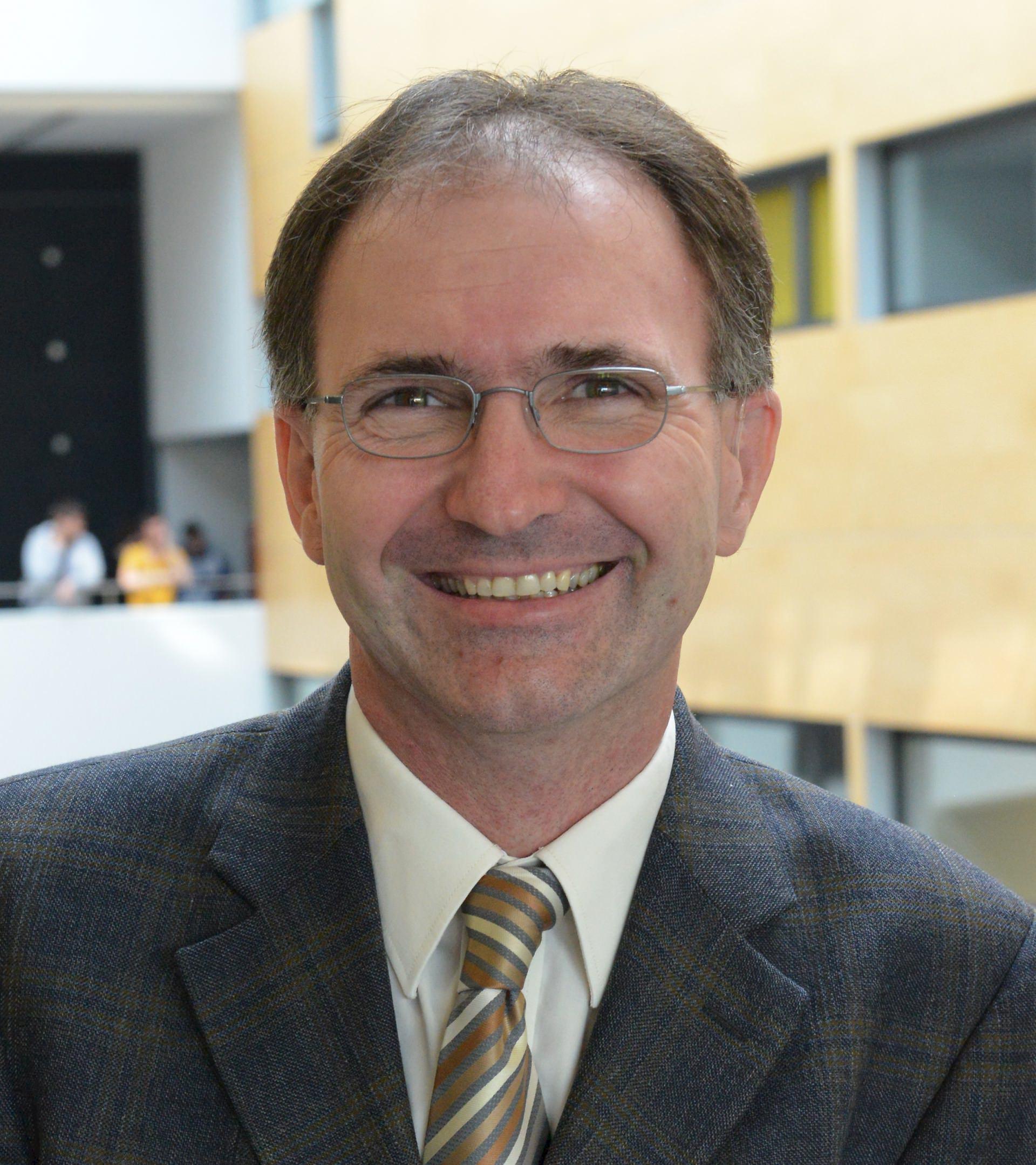dr. Matjaž Debevc